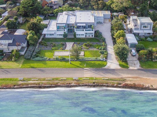 Breakfast on the Beach Lodge: Breakfast on the Beach - Aerial view