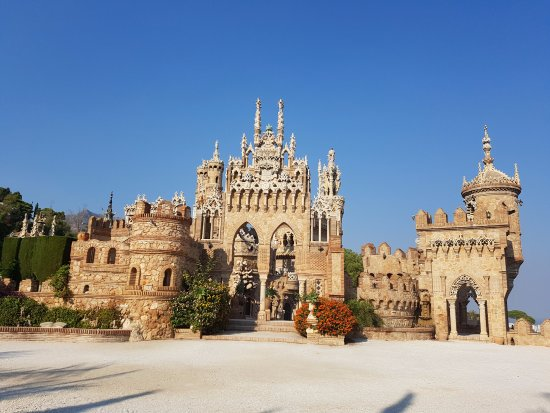 Castillo de Colomares: Замок