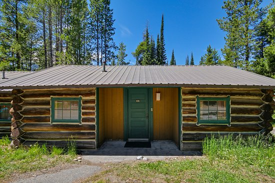 Colter bay village updated 2018 prices campground for Teton village cabins