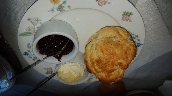 Blue Bird Tearooms: Fantastic scones and clotted cream