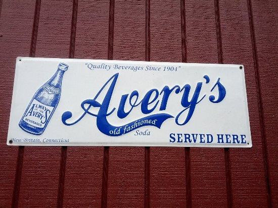 New Britain, CT: Shop Avery's for delicious sodas