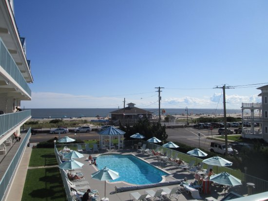 Sea Crest Motor Inn: View from our room on the 3rd floor