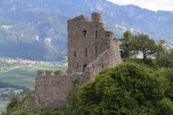 Pfaefers Dorf, Schweiz: The run Burgruine Wartenstein