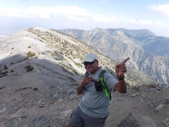 Mount Baldy, Califórnia: Onward To The Summit