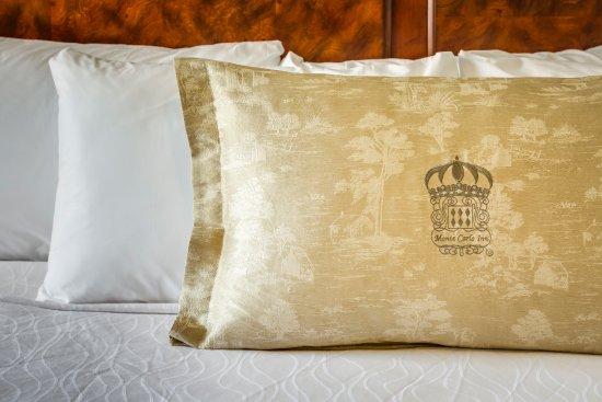 Monte Carlo Inn & Suites Downtown Markham ภาพถ่าย