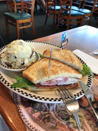 La Habra, CA: Sandwich and potato salad lunch