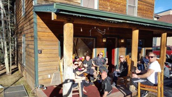 Minturn Inn: Spring skiing apres-ski
