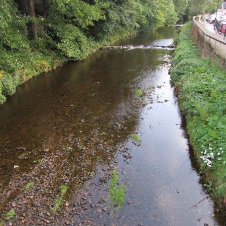 Cushendall, UK: River running behind B&B