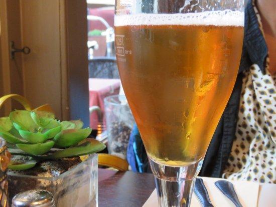 La Dentelliere: Cold beer