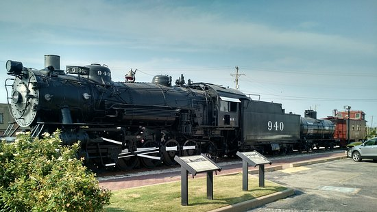 Bartlesville, OK: Balkwin 1903 Steam Locomotive and 1948 Santa Fe caboose