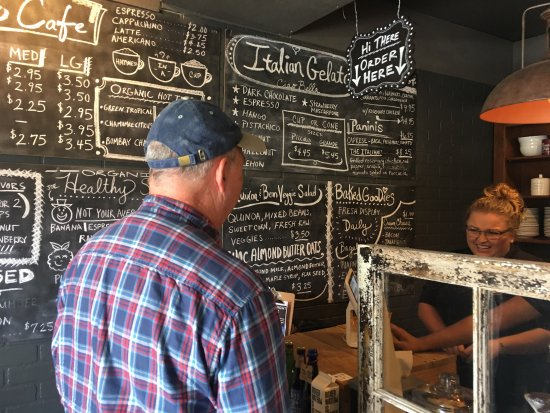 Vineland, NJ: The Piccolo Cafe