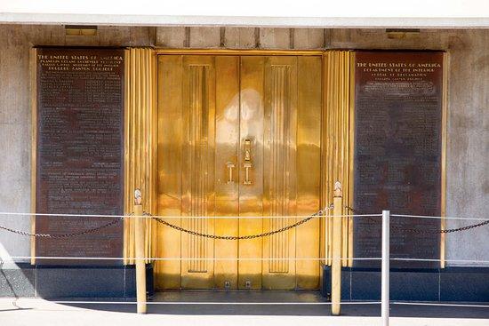 Hoover Dam: Art Deco Door Leading To The Original Elevators