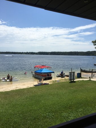 Alford, FL: Beautiful Compass Lake