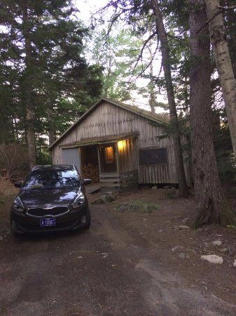 South Milford, Canadá: Our favorite rustic and private cabin THE HOLLOW