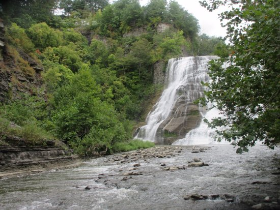 Ithaca Falls Natural Area: Wading area a little away from the waterfalls