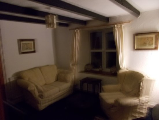 Carnmenellis, UK: - SITTING ROOM