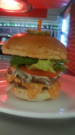 Lake Cowichan, Kanada: J & V's Burgers & Pizza