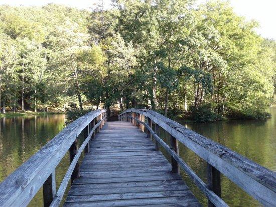 Marion, VA: walkway over lake