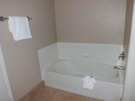 Tuscany Suites & Casino: perfect bathroom for familes