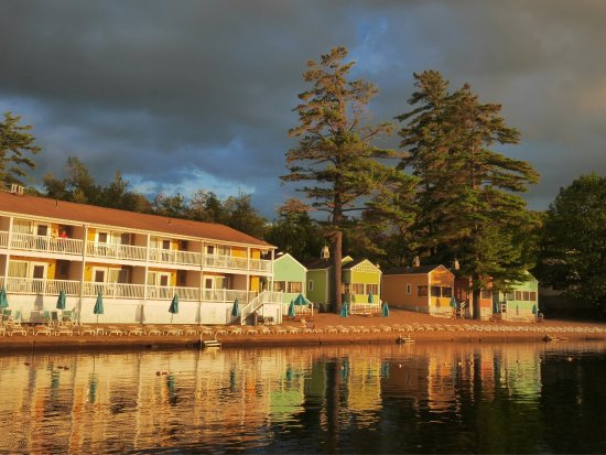 Laconia, NH: A beautiful place to stay with great food offered at the Bistro. The twin lobster dish was cooke