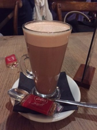 Hot chocolate at The Star, Lingfield