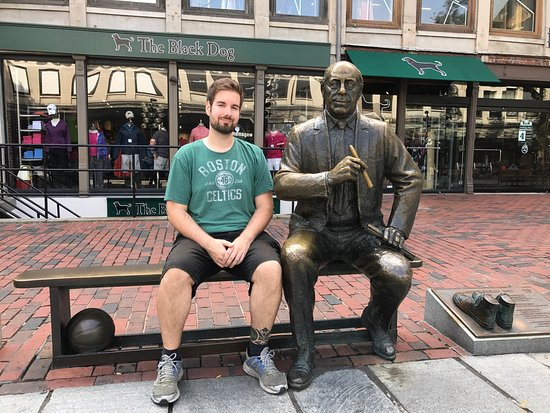 Statue of Red Auerbach