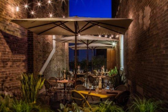 เมย์วิลล์, วิสคอนซิน: Outdoor Dining