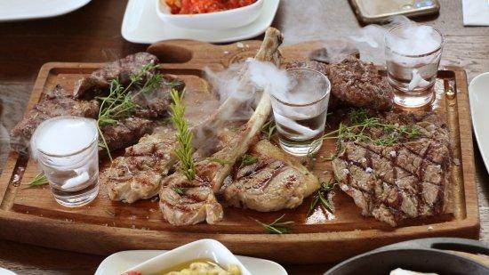 Corlu, Turquía: Kekik Steakhouse'ta kuzu bir  harika