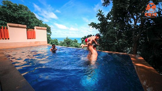 Crown Lanta Resort & Spa: Mais diversão em nossa piscina privativa.