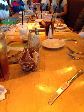 San Mateo, CA: Party table