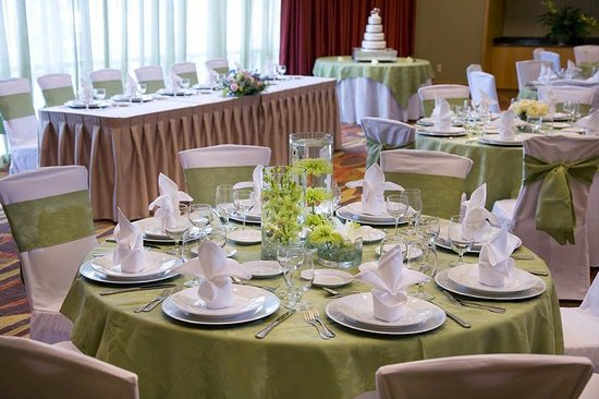 Embassy Suites by Hilton Houston - Energy Corridor : Weddings & Banquets