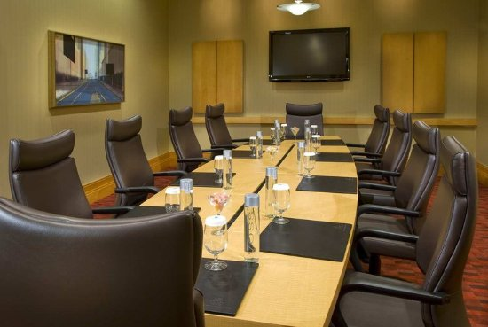 Embassy Suites by Hilton Houston - Energy Corridor: Executive Boardroom