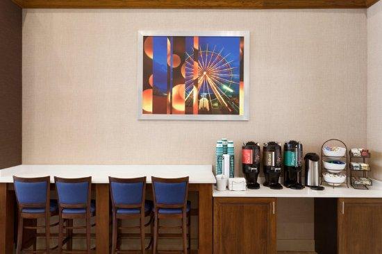 Homewood Suites Orlando-International Drive/Convention Center: Beverage Station