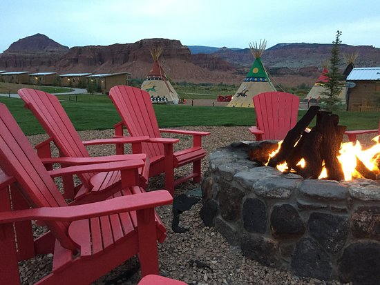 Capitol Reef Resort: One of the firepits and view of the red cliffs.