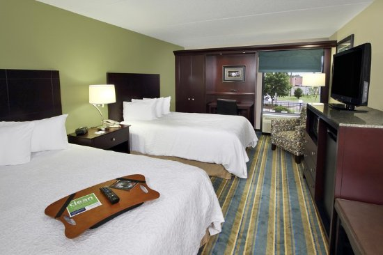 Hagerstown, MD : Guest Room with Two Double Beds