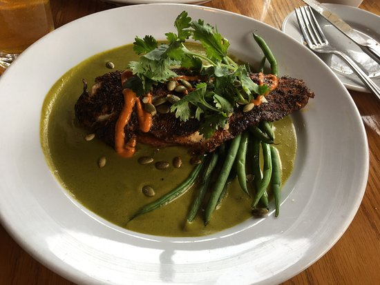 Seal Beach, CA: Blackened catfish, sitting on a polenta cake w green beans, the sauce is unbelievably good.