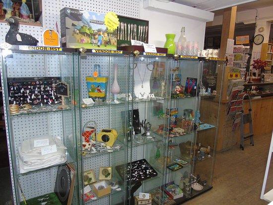 Gore St. Antique Market 147 Gore St. E. Perth Ontario Lanark County