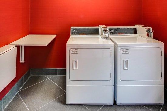 Thomson, GA: Laundry