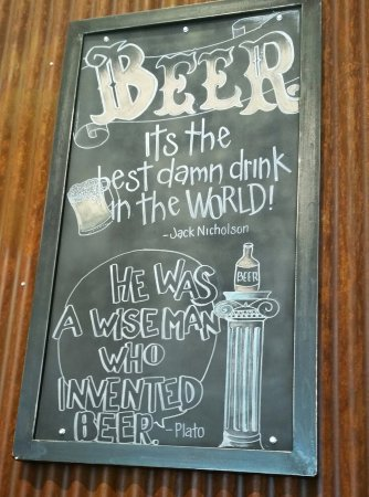 Atascadero, كاليفورنيا: Fun Sayings on the Wall