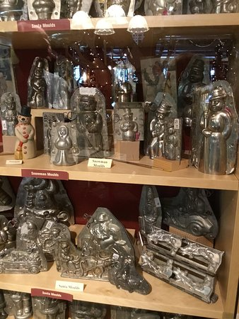 Sutton, MA: Antique chocolate molds on display