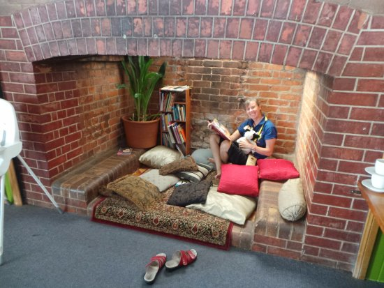 Yungaburra, Australia: The cute little chimney reading nook!