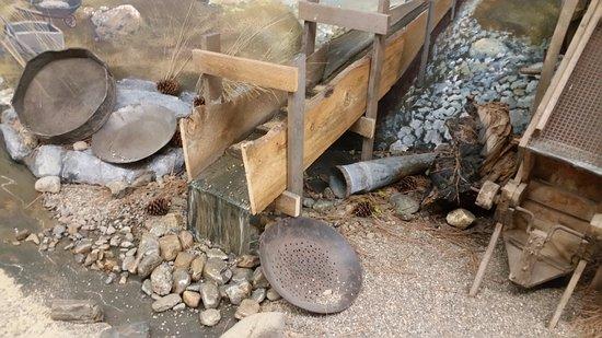 Baker Heritage Museum : mining equipment