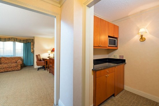Short Hills, NJ: Kitchenette -Superior King Guest Room with Sofa bed