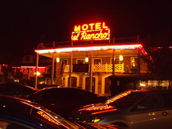 El Rancho Hotel & Motel: sign out front that changed from motel to hotel
