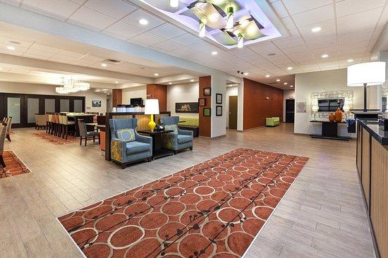 Marion, AR: Spacious lobby