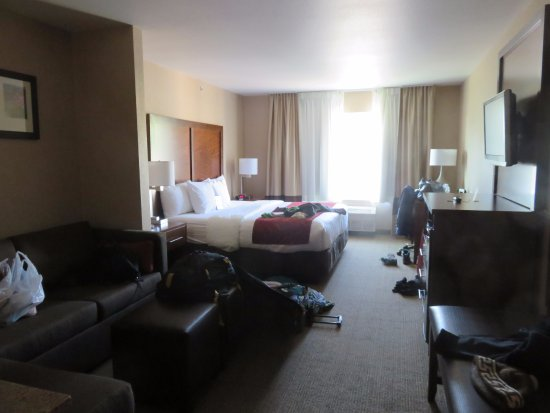 Comfort Suites Anchorage International Airport: Nice, Large Room
