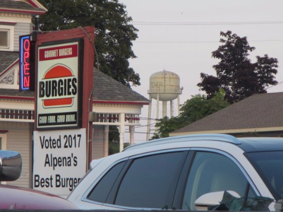 Alpena, Мичиган: Voted and Earned.