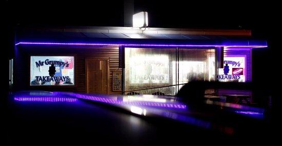 Foxton, New Zealand: Mr Gs at night