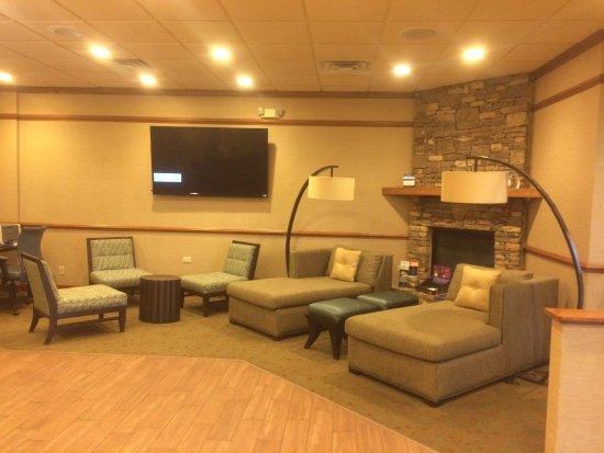 Newport, TN : Lobby