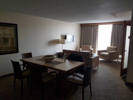 International Hotel and Spa Calgary : Quarto gigante